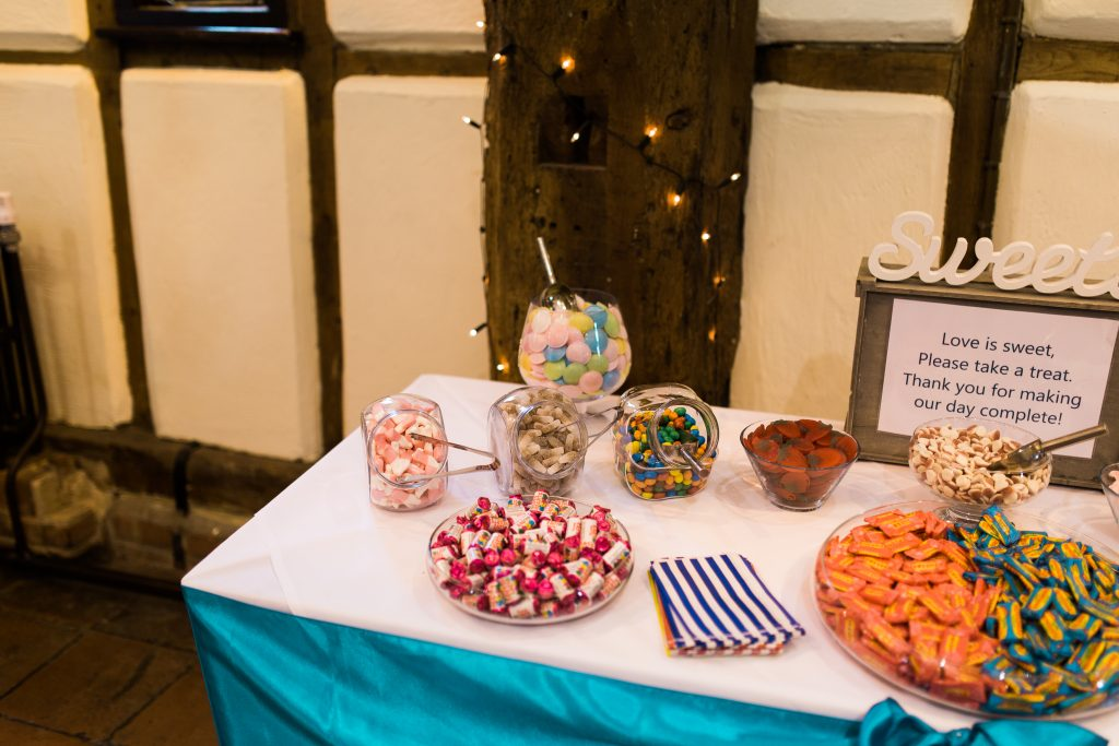 Wedding sweet table on a budget